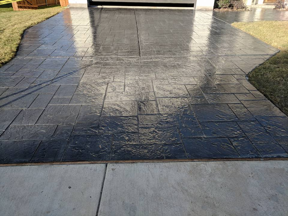 The Top Signs That Your Concrete Driveway Needs to be Replaced